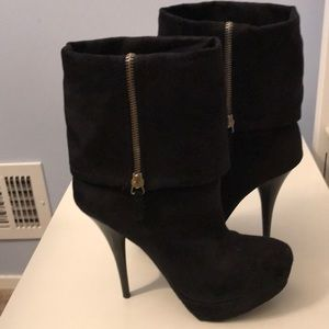 Candies stiletto suede booties size 7 EUC